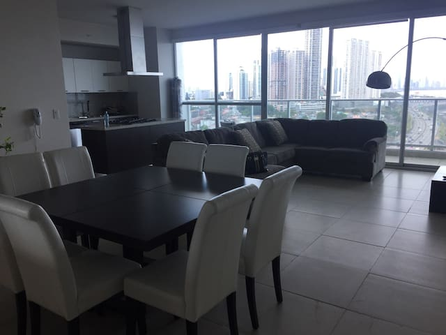 Amazing View from Modern Apartment - Panama - Leilighet