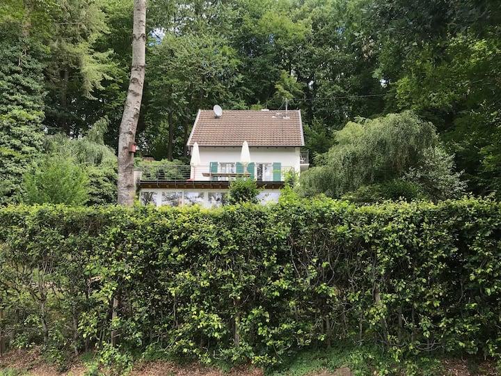 Hanfbachhaus im Grünen mit herrlichem Ausblick