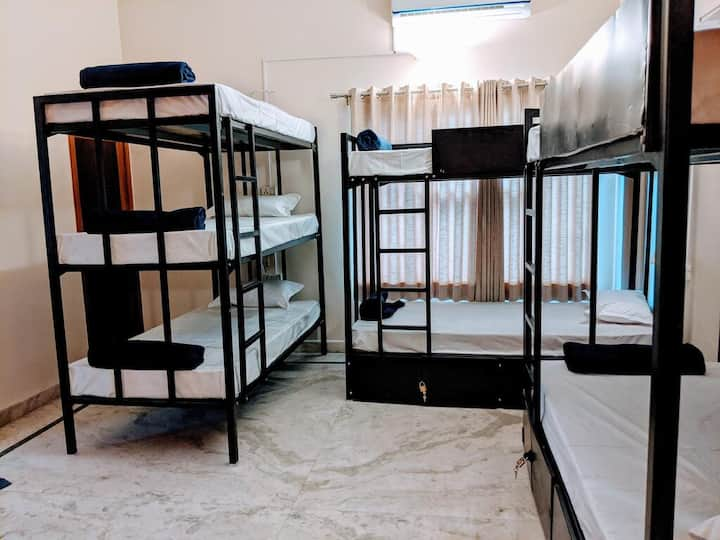 Bed in 3 tier 7 bed mixed dormitory with Breakfast