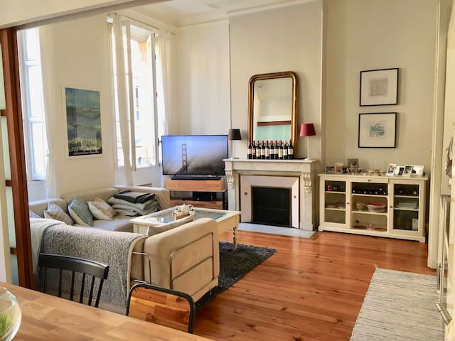 Apartment in the historic centre of Bordeaux