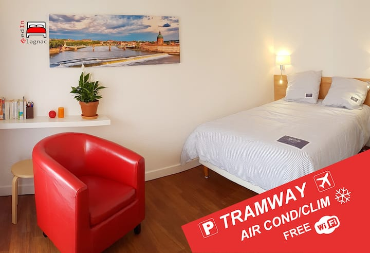 Your bedsit in aerospace valley - close to Airport