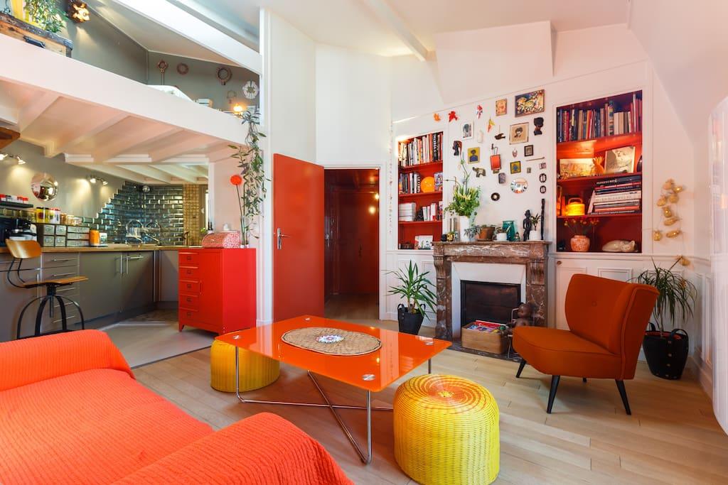 Loft apartment near jardin du luxembourg houses for rent for Loft jardin paris