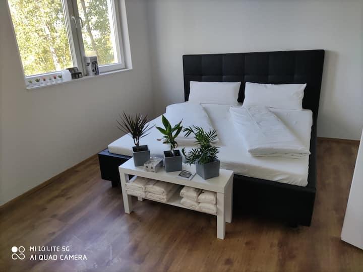COZY 2-Bedroom-Apartment in Gera | L8 Street