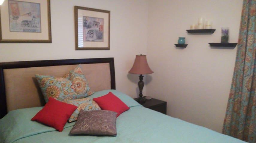 Cozy private Bedroom in Bonita Springs