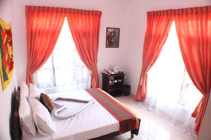 Deluxe private room with hot water shower - Negombo
