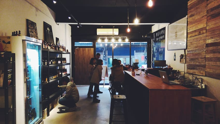 MACI craft beer shop (2nd floor) - Zhongli District - House