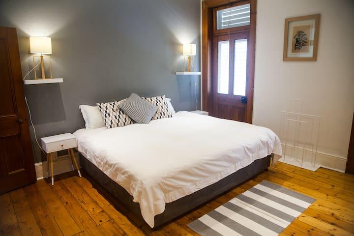 Main en-suite bedroom overlooking Bird Park