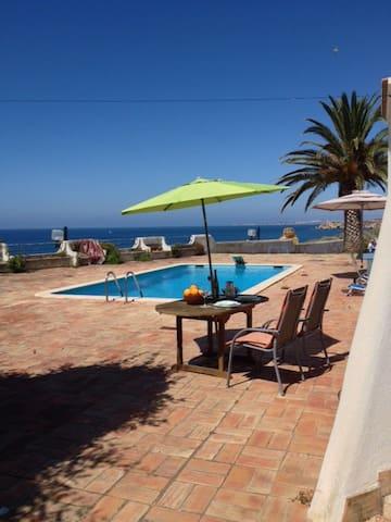 Villa by the sea with swimmingpool2