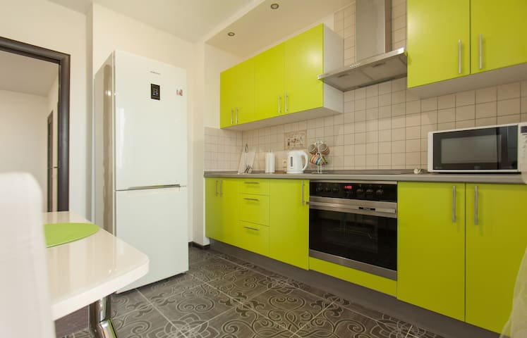 3in1:Good location, cleanliness, comfort!Welcome:)