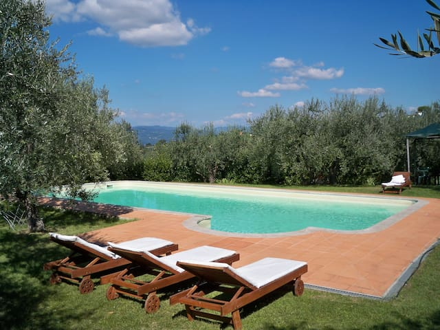 AUTHENTIC ATMOSPHERE ON THE CHIANTI HILLS - Impruneta - Apartment