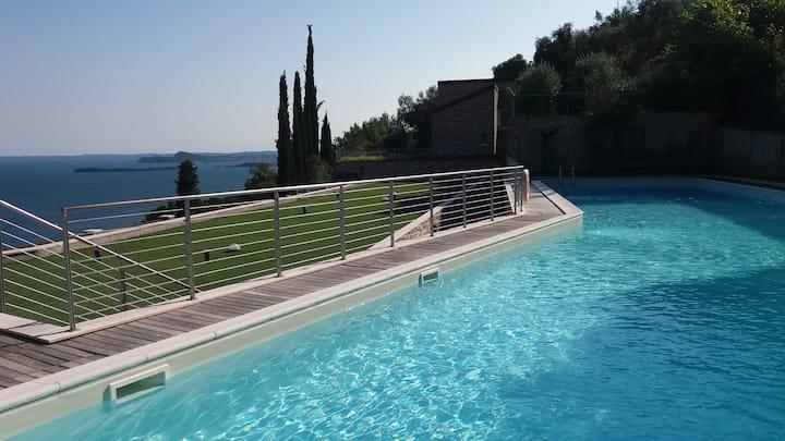 Amazing view on Garda Lake with design pool