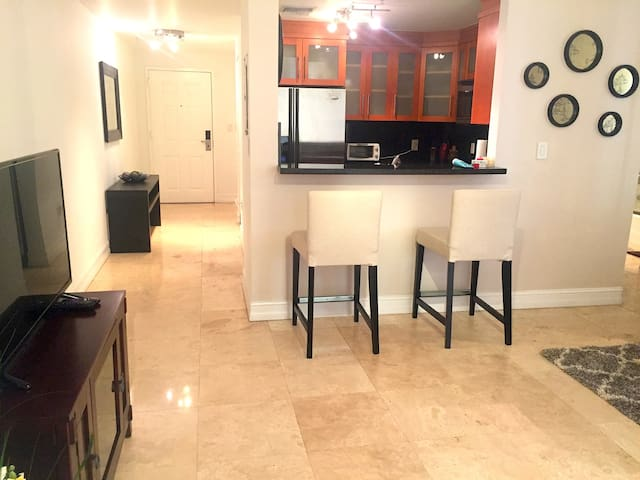 Heart of Brickel ! 1br/1bath . Stay in Style