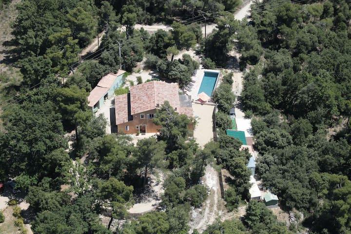 Belle villa avec piscine privée 890 - La Motte-d'Aigues - Dům