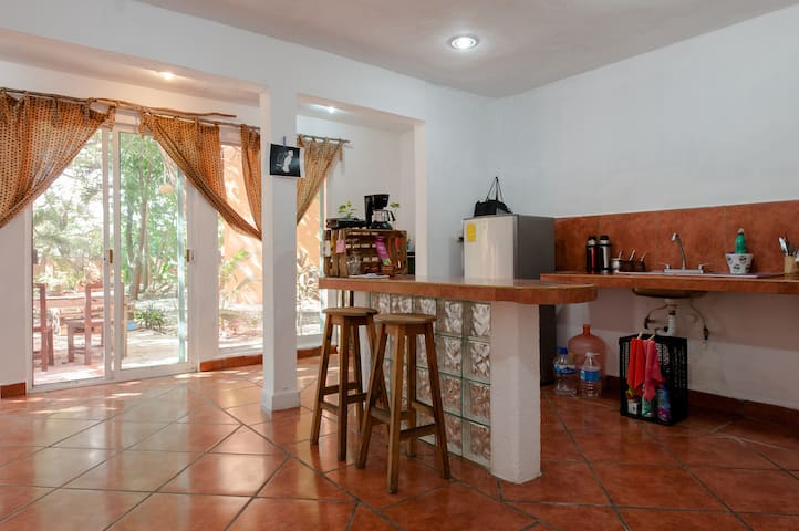Light Room with private bathroom, pool and terrace - Playa del Carmen - Wohnung