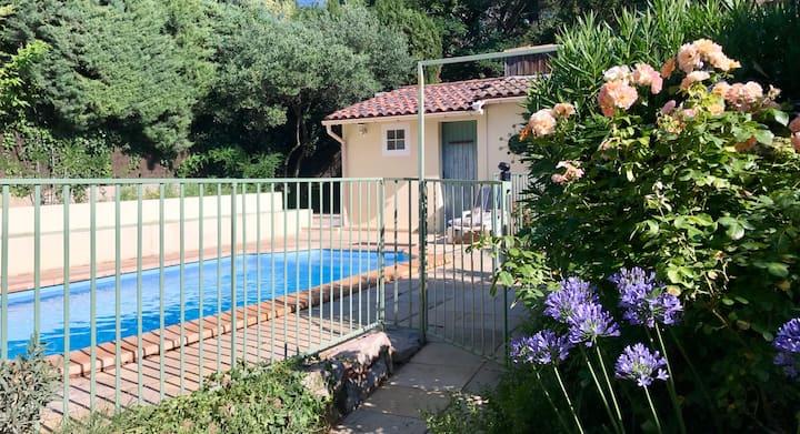 Maison piscine BBQ climatisée parking garage