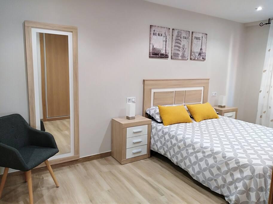 La suite dispone de cama de 1,50 m