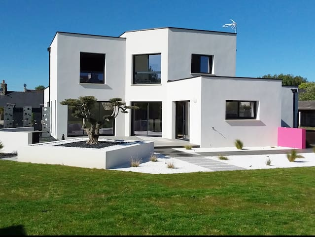 Maison d architecte de 160 m2  avec SPA privatif