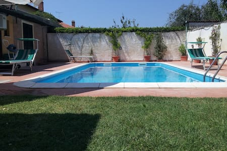 Single-room +swimming p. near sea - Rosignano Solvay-Castiglioncello - Haus
