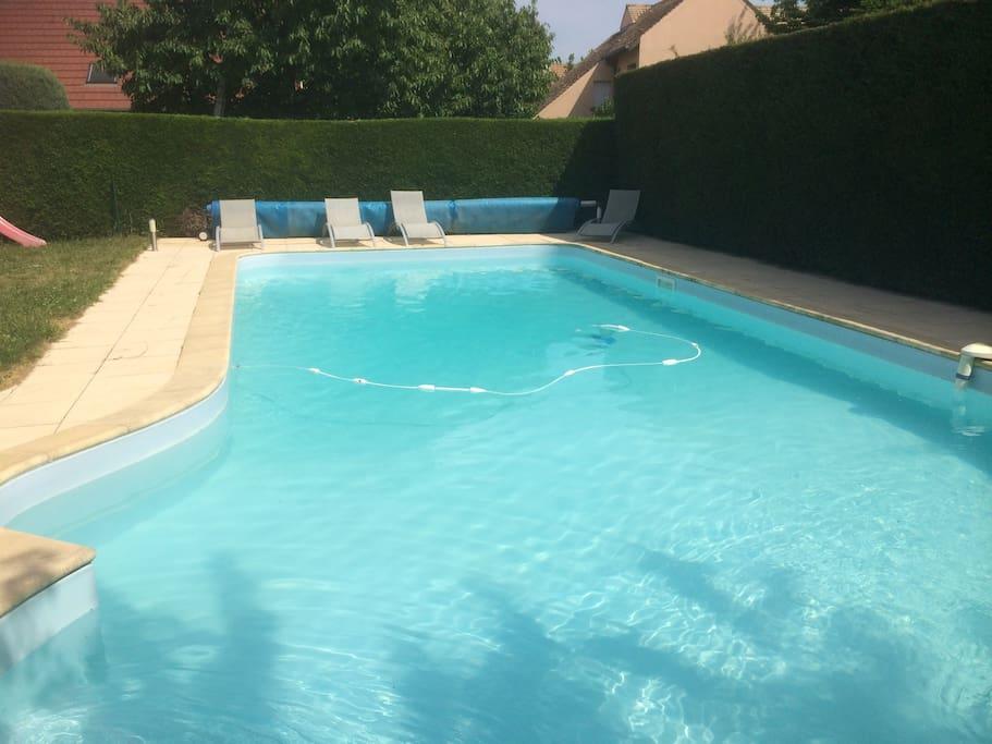 Grande maison avec grande piscine maisons louer for Chalon sur saone piscine