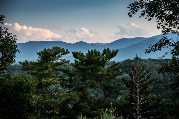 Vast Sky Mountain View Asheville Studio