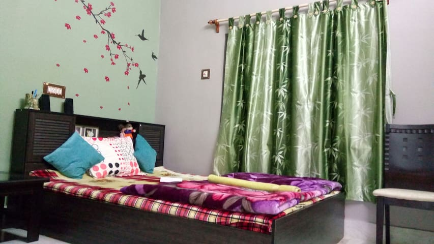 The Lovely Room! - Kolkata