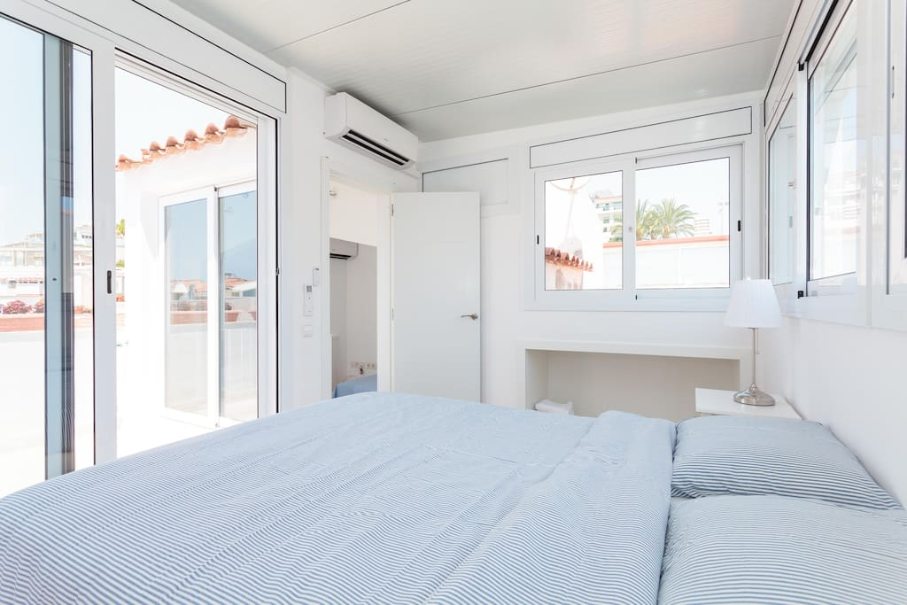 Air conditioned double bedroom 160*200