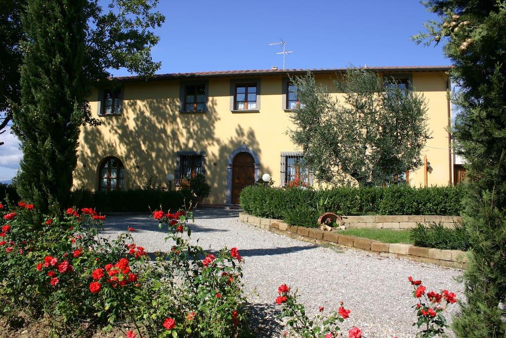 Residence Le Colombaie il casale dove sono ubicati i nostri appartamenti