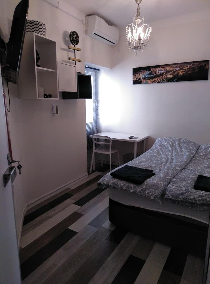 Double room close to beach and airport