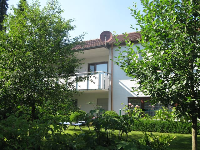 2-Zimmer Einliegerwohnung 70m² - Reutlingen - Leilighet