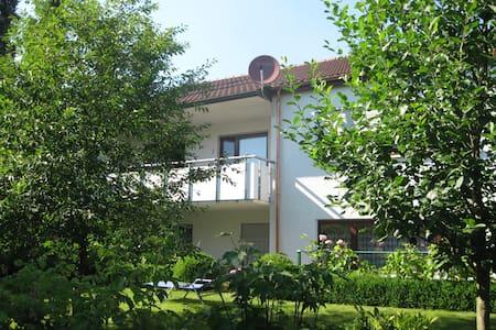 2-Zimmer Einliegerwohnung 70m² - Reutlingen - Daire