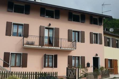 Casa San Martino, Mellame-Arsié, BL, Piano 1° e 2° - Mellame -Arsié - Apartemen