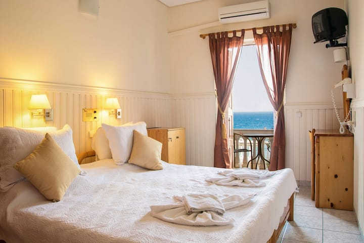 Hotel double room with sea view