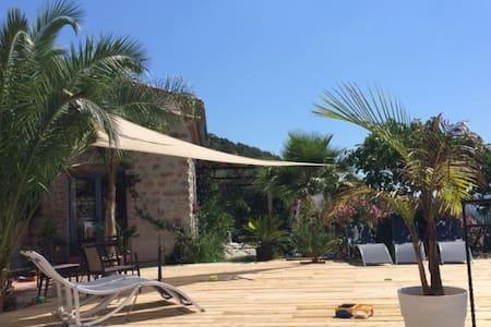 La Palma, chambre de charme à Eus - Eus - Bed & Breakfast