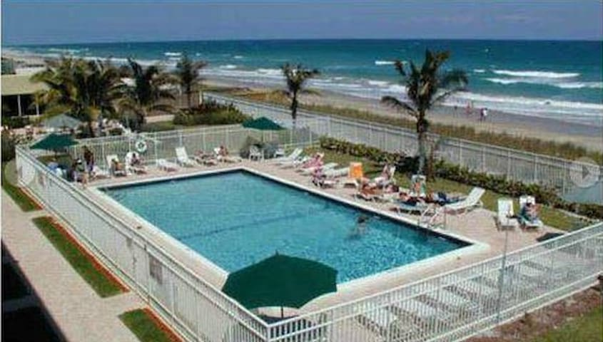 BEAUTIFUL ISLAND CONDO 2 - Jensen Beach - Condomínio