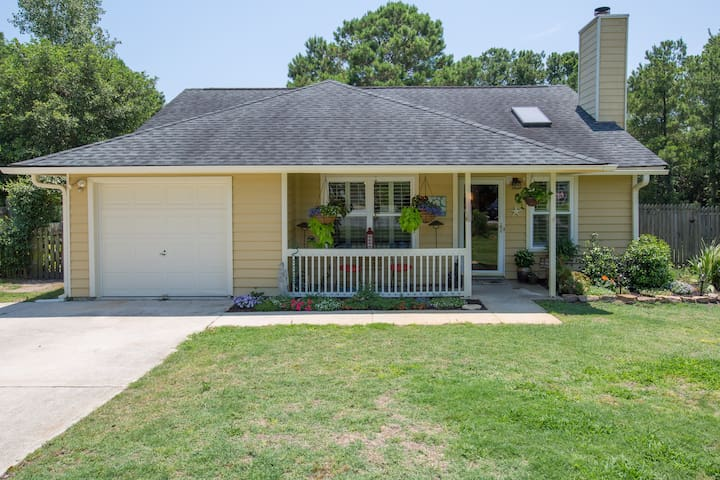 3BR/2BA home two minutes from beach