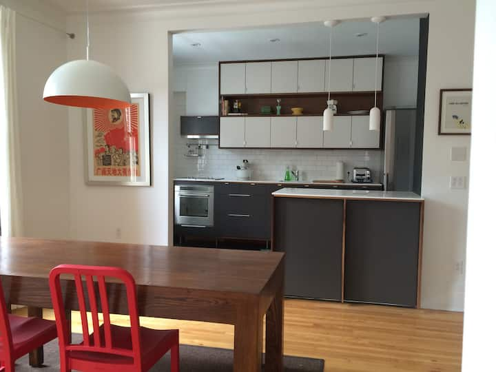SUPERB 2BR MONTREAL w/CAR CHARGER