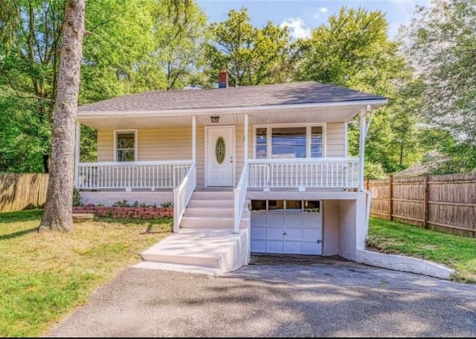 """Entire """"Pet Friendly"""" Home with Fenced Backyard!"""