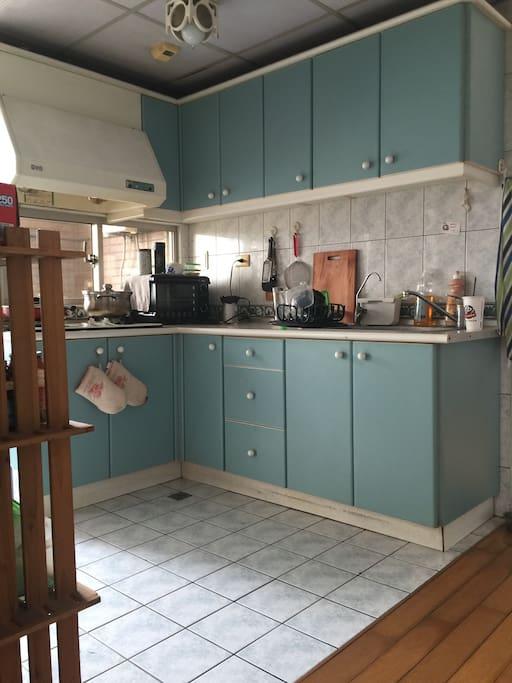 L style kitchen
