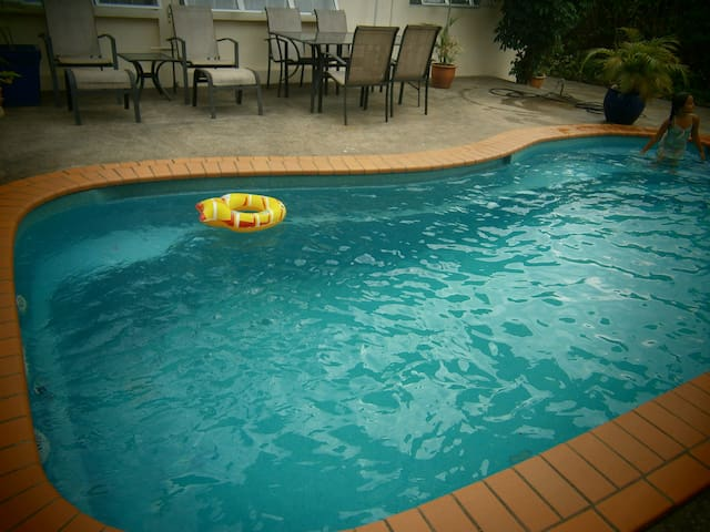 FIJI APARTMENT WITH POOL AIRCON close to airport