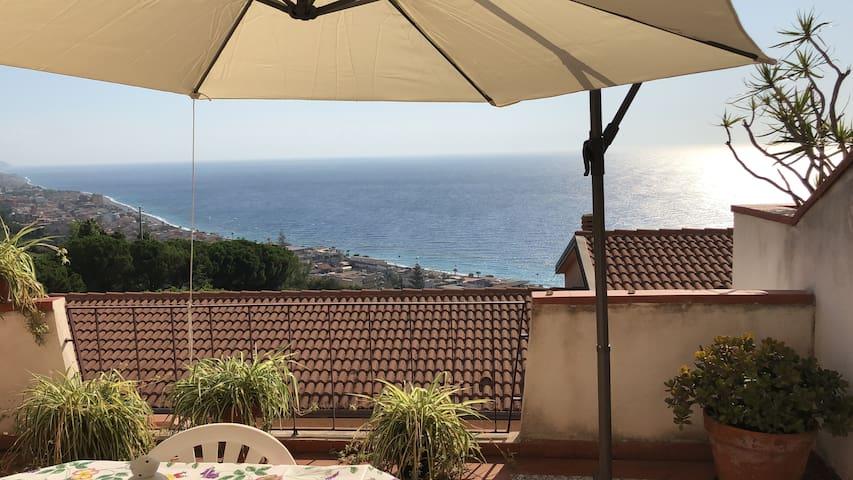 Paradiso al Mare....a due passi da Taormina !!