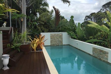 Sunshine Coast Tropical Getaway - Buderim