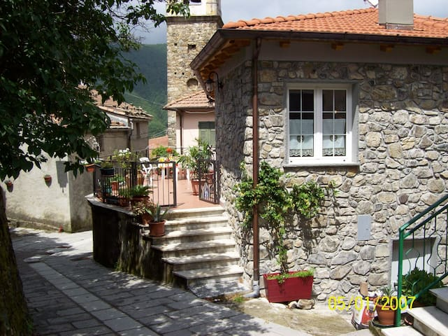 5 terre, entroterra - Pignona. Sesta Godano - House