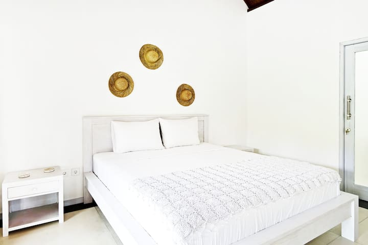 Villa Salin Room 2, Canggu Beach