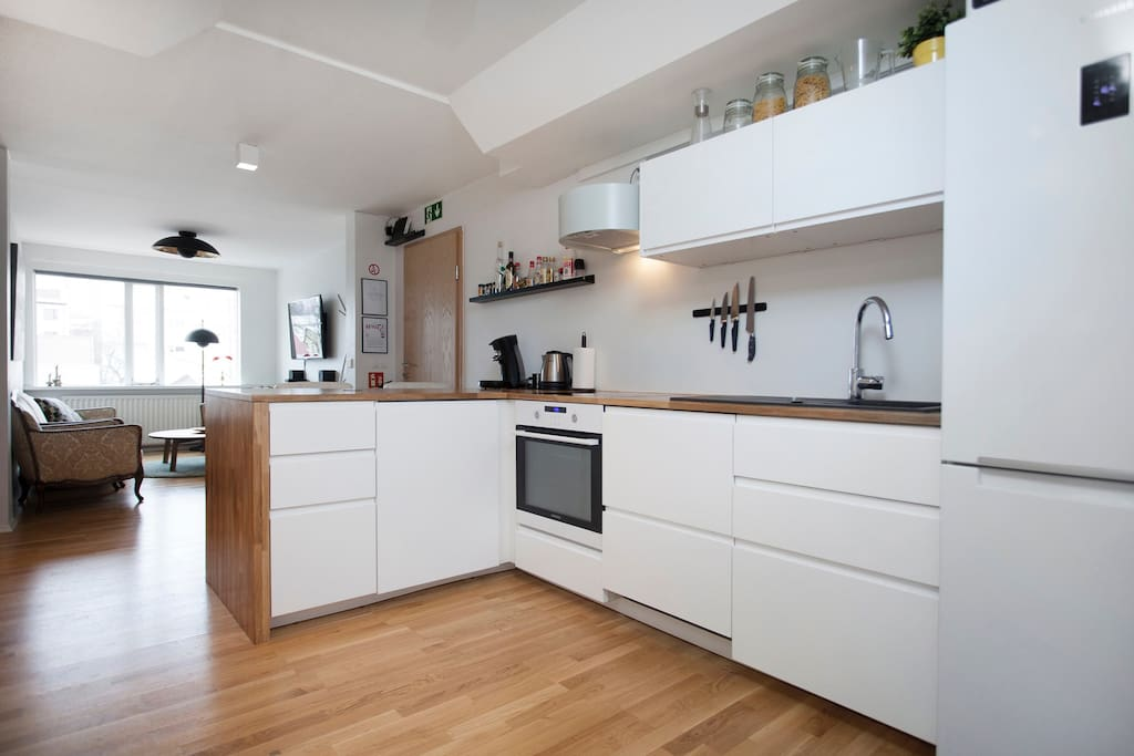 The kitchen has all the amenities you need to make a nice meal at home.