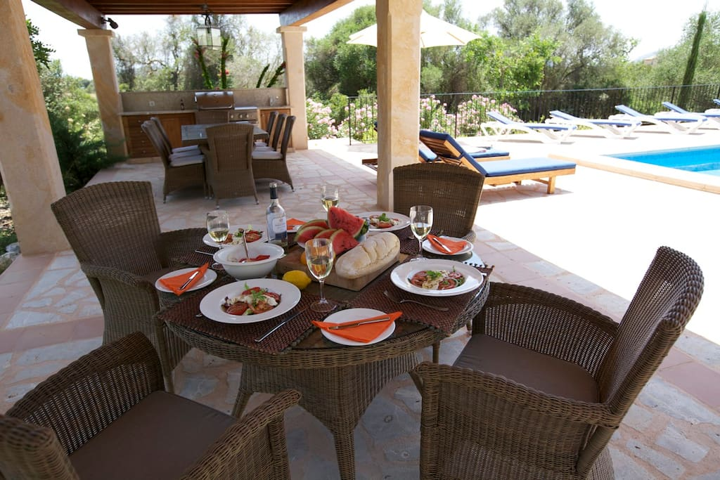 Lots of out door dining space