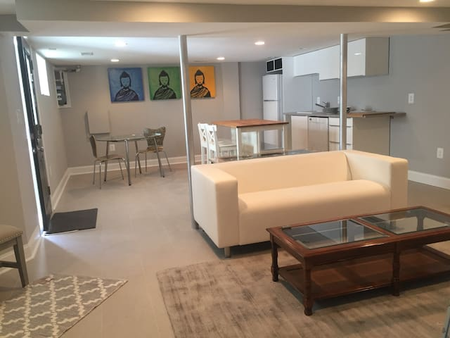 BRAND-NEW  1 BR. 2 min walk to METRO & restaurants - Washington - Byt