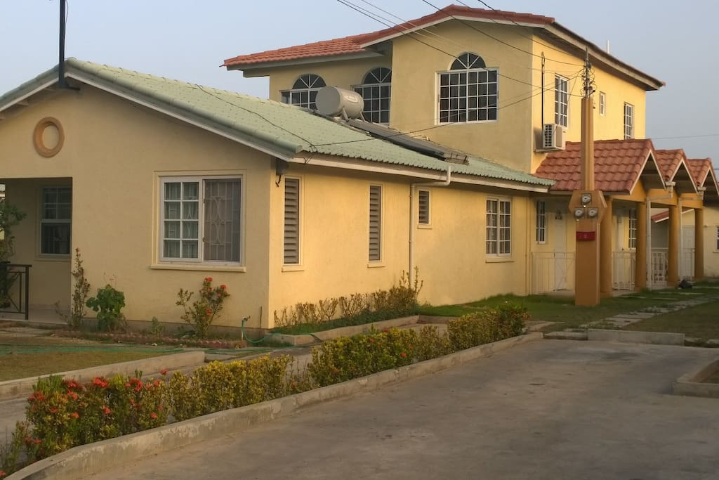 Cozy Studio In Gated Complex Apartments For Rent In