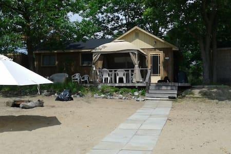 Paradis privé à 45 min d'Ottawa - Pontiac Station - 木屋