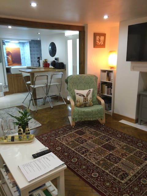 Charming Studio Flat in Laurie Lee's Birth Place