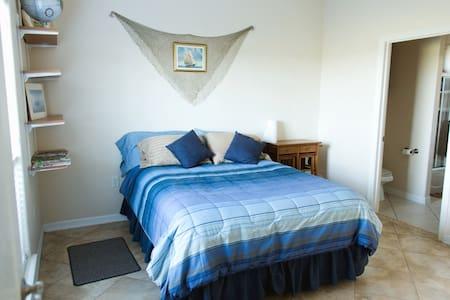 Private Room: Beach, Fishing, Golf - Laguna Vista